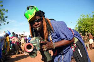 Procession during the Festival sur le Niger celebration